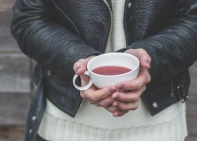 Почему чай Цзинь Цзюнь Мэй называют «золотые брови»?